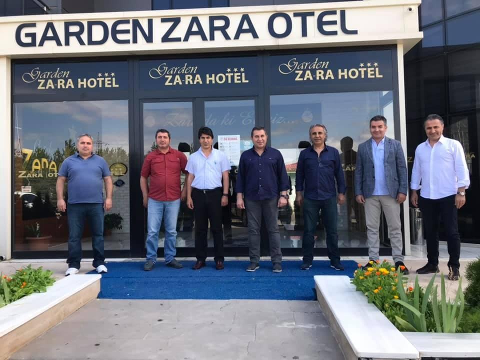 İmranlı Belediye Başkanı Murat Açıl Garden Zara'da!